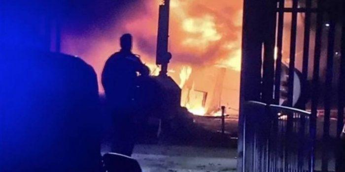 Helicóptero que trasladaba al dueño del Leicester se estrella fuera del estadio
