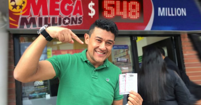 Miles de chilenos buscan el premio mayor del Mega Millones de Estados Unidos