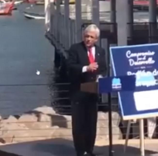 No hay caso que entienda: Piñera insiste con el chiste de la minifalda