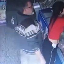 Hombre abusa sexualmente de vendedora y luego es golpeado por transeúntes