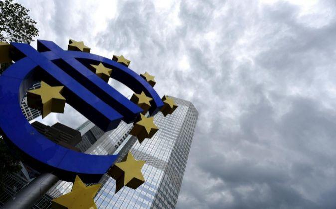Comisión Europea eleva su previsión de crecimiento en la eurozona al 4,3% en 2021