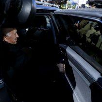 """Víctimas de Karadima consideran una """"cobardía"""" el silencio de Ezzati ante el fiscal Arias"""