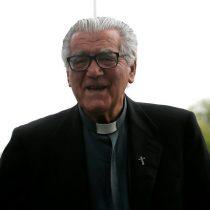 Imputado por encubrimiento: cura Hasbún declara por más de 2 horas ante fiscal por abusos sexuales en la iglesia