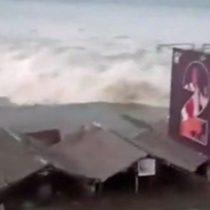Indonesia: el video del tsunami al llegar a Palu, en la isla de Célebes