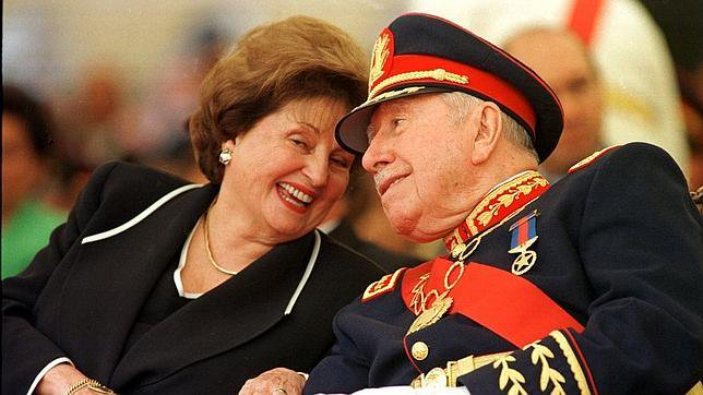 Familia Pinochet no la saca gratis: Consejo de Defensa del Estado pide que devuelvan $10.916 millones de origen ilícito