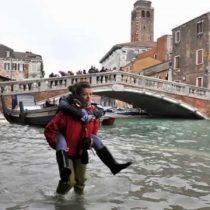 Venecia se inunda por marea alta