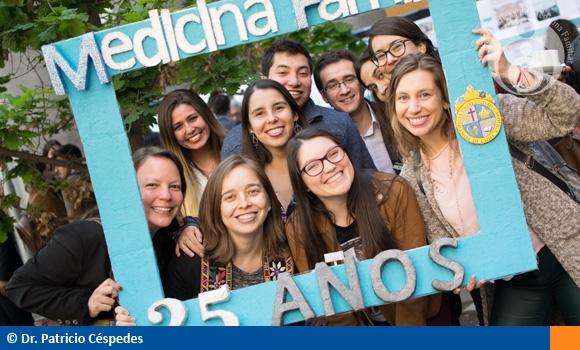 25 años de Medicina Familiar UC