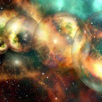 Científicos proponen que en la primera luz del cosmos estaría la clave de los multiversos
