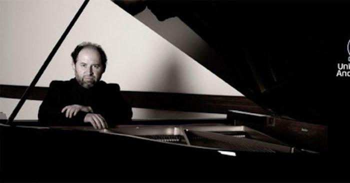 """Concierto """"El joven Amadeus"""" con pianista nacional Luis Alberto Latorre en Casona de las Condes, UNAB"""