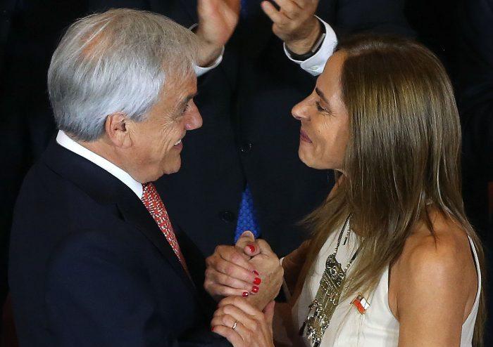 """""""Paso"""": Ministra Plá elude comentar el chiste de la minifalda de Piñera"""