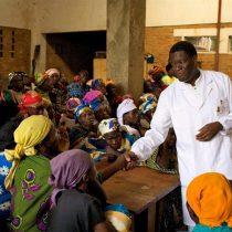 """Premio Nobel de la Paz pide """"educar a los hombres en el poder para respetar a las mujeres"""""""