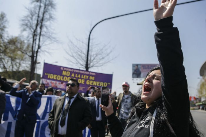 """""""Fracasa la transfobia"""": Movilh celebra traspié de diputados de Chile Vamos contra la Ley de Identidad de Género"""