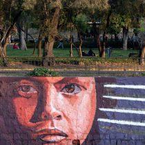 Los versos de Raúl Zurita y los murales