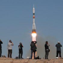 Rescatan a astronautas de la nave Soyuz que tuvo que aterrizar de emergencia tras falla en cohete