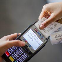 Fin del contrato entre Santander y Transbank remece el monopolio del mercado del pago electrónico