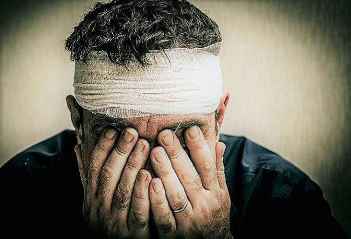 Los síntomas que transforman un golpe en la cabeza en un TEC