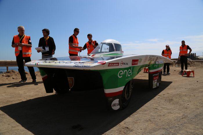La carrera de autos solares más grande de Latinoamérica recorrerá 2.600 km de puro sol