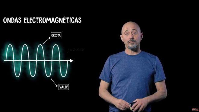 """Andrés Gomberoff, físico y divulgador científico: """"La rebeldía de Einstein se convirtió en una caricatura"""""""