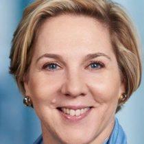 Quién es Robyn Denholm, la mujer que sustituye a Elon Musk como presidenta de la junta directiva de Tesla