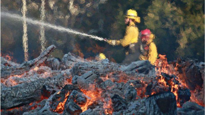 Los incendios más mortíferos en casi un siglo en el norte de California dejan al menos 31 muertos y centenares de desaparecidos