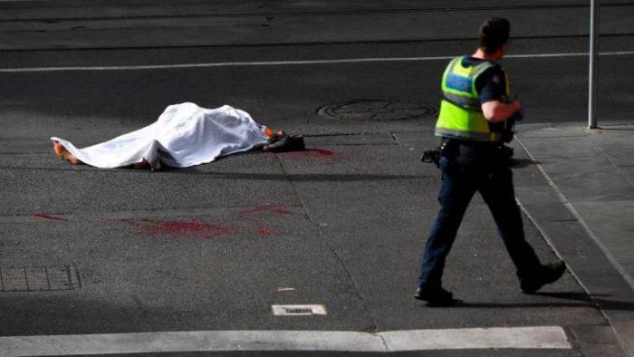 Un muerto y dos heridos en ataque un terrorista en Australia reivindicado por EI