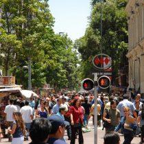 Chile gira a la derecha: Encuesta Bicentenario indica que el país se ha llenado de ideas