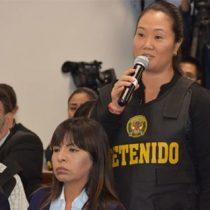 Keiko Fujimori dice que prisión es arbitraria y pide a su padre que resista