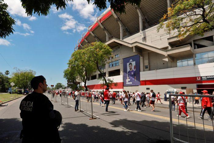 Superclásico en suspenso: Conmebol posterga final River-Boca hasta las 19:15