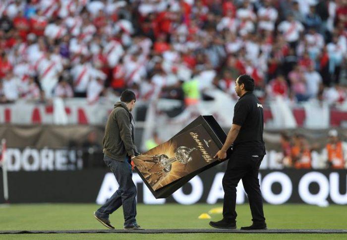 Conmebol confirma que la final entre River y Boca fue suspendida indefinidamente  porque