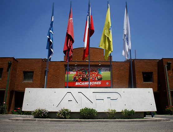 ANFP expulsó a Barnechea del fútbol profesional