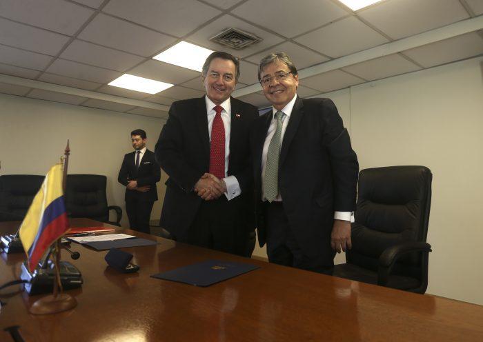 Canciller Ampuero confirma visita de Presidente de Colombia y respalda posición para retomar diálogo con ELN
