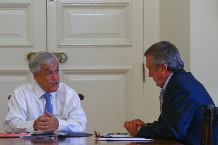 Piñera pide a Jorge Atton