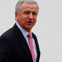 Ministro Larraín confirma que reforma de las pensiones será financiada con fondos del país: