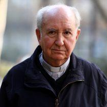 Funa al hombre fuerte de la Iglesia católica: transeúntes acusan al cardenal Errázuriz de encubrir abusos sexuales