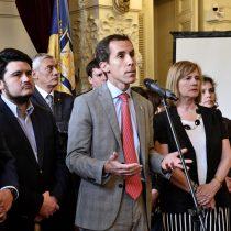 Directores de liceos emblemáticos de Santiago respaldan Aula Segura