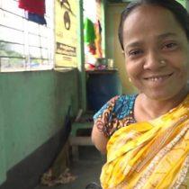 Banu Aker, la mujer sin brazos que superó el rechazo de su familia