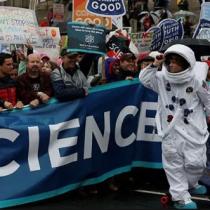 ¿Científicos al Parlamento? Presencia de investigadores en Congreso de EE.UU. desata debate en Chile
