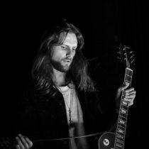 Proyecto musical solista de Jean Philippe Cretton, Crettino anuncia primer concierto en Chile