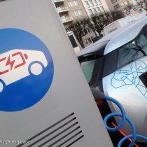 Greenpeace critica bajas cifras de electromovilidad en Chile: