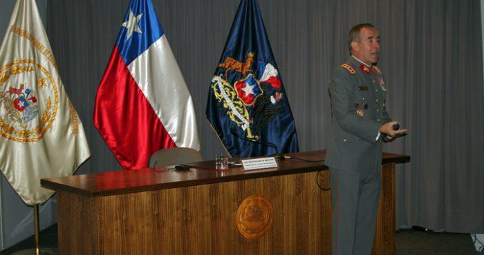 Fraude al fisco en el Ejército: ministra Rutherford ordena prisión preventiva del general (r) Werther Araya por 9 delitos