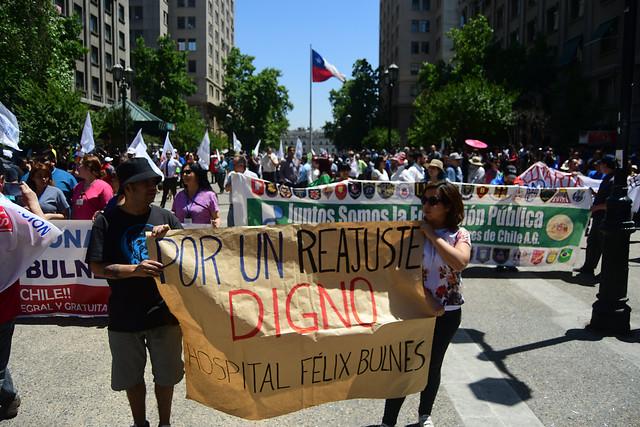 Felipe Larraín llama a la calma en el sector público y dice que movilizaciones