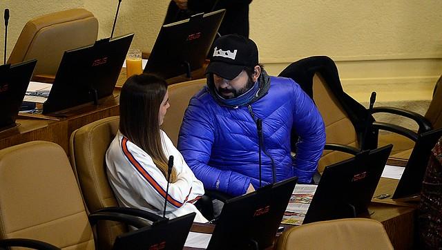 Abogado Atria pone acento en lo desproporcionado de la polémica por reunión de Boric y Orsini con Palma Salamanca