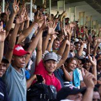 Migrantes de la caravana en Ciudad de México votan por reanudar su travesía hacia EE.UU.