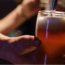 ¿Fanático de la cerveza? Las artesanales buscan su lugar