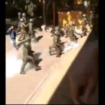 """Carabineros ingresa a Liceo Darío Salas lanzando bombas lacrimógenas en medio de reactivación de ley """"Aula Segura"""""""
