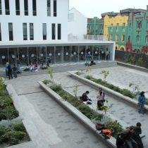 """25 académicas solidarizan con Leonor Etcheberry, la profesora despedida de la UDP: """"Su contribución a nuestro país es enorme"""""""