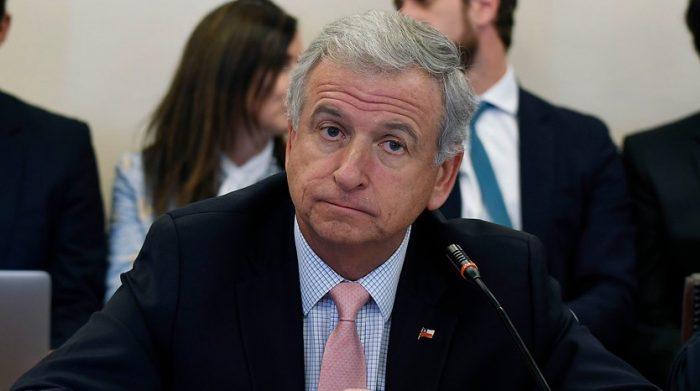 Felipe Larraín culpa al feriado largo por bajo crecimiento y asegura que octubre