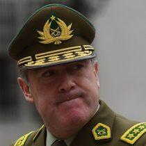 Hermes el mentiroso: general Soto no da el ancho en el peor momento de Carabineros