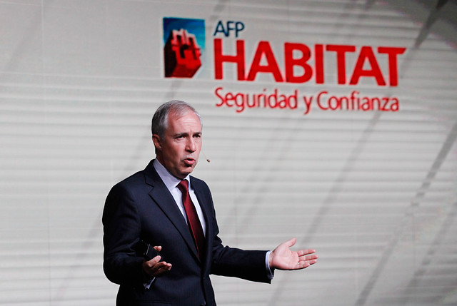 """AFP Habitat arremete contra reforma de Piñera: """"Se está tratando al sistema como al mercado de papas"""""""