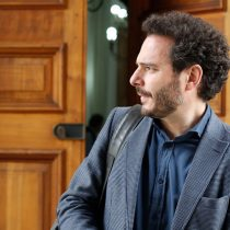 """""""Liberales a costa ajena"""": Evópoli se defiende de la dura crítica de Carlos Peña"""